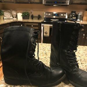 Black combat boots size 9